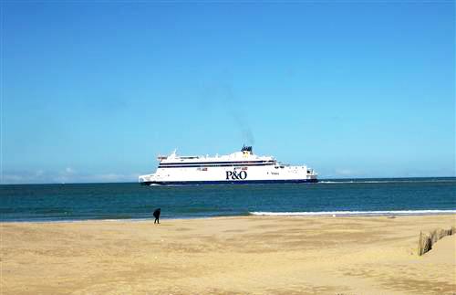 P_O_Ferry_crossing_image